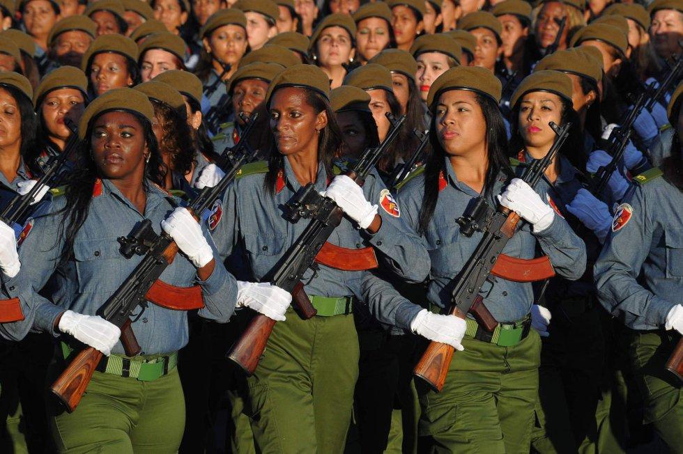 Emergindo do subdesenvolvimento: a mulher e o trabalho em Cuba