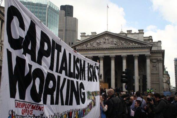 """Há """"pós-capitalismo"""" que não seja socialista?"""
